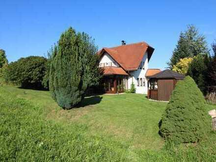 Wunderschönes und außergewöhnliches Wohnhaus in ABSOLUTER TOP RANDLAGE von Weissach im Tal