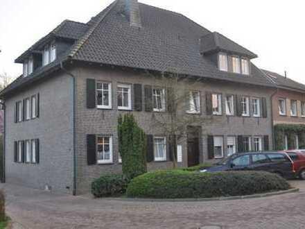 Schöne 3-Zimmer-Erdgeschosswohnung mit Terrasse & Gartennutzung