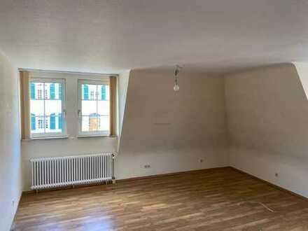 Wohnung im 2. OG:  bestehend aus: Diele, Bad/Dusche/WC, Wohnzimmer, Kinderzimmer, Schlafzimme