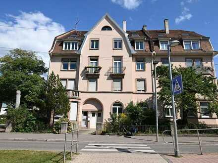 Altes Gebäude in neuem Glanz -  Ihr Stadtdomizil im schönen Freiburg-Herdern