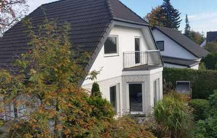 Schönes, geräumiges Haus mit vier Zimmern in Berlin, Blankenburg (Weißensee)