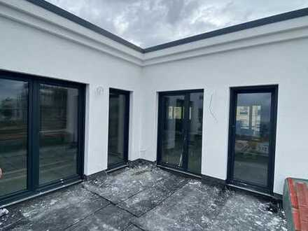 Exklusive Penthouse Wohnung mit Dachterrassen in allen Himmelsrichtung. Besichtigung möglich! C 3.1