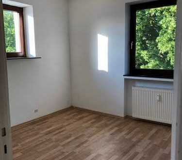 Gemütliche 3-Zimmer-Dachgeschosswohnung mit Einbauküche in Bremen-Nord