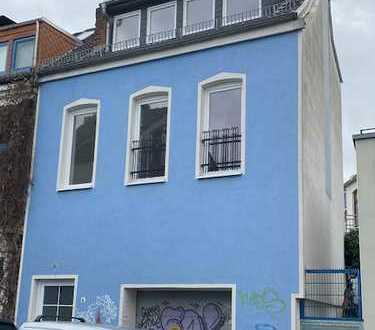 Viertel, tolles Bremer Haus mit großer Garage und Dachterrasse.