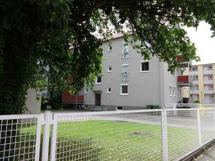 Pfersee: 3,5 / 4-Zimmer-Wohnung in saniertem Altbau. Zentral und ruhig! Ab 01.07. frei!