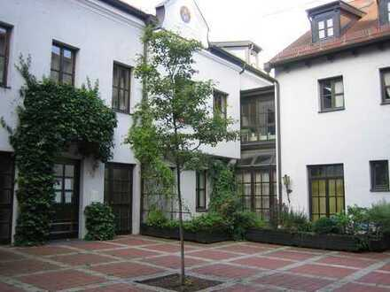 Denkmalgeschützte Galeriewohnung in der Altstadt mit Domblick