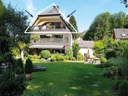 Sehr schöne, helle und ruhige Dachgeschosswohnung mit Balkon und Gartenanteil