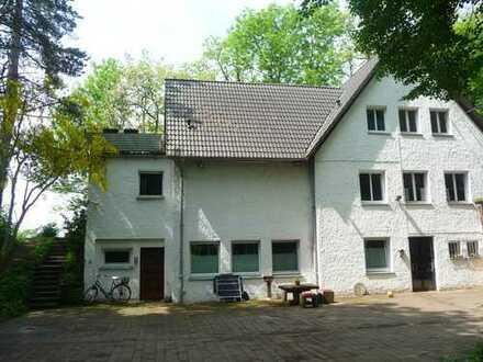 Einmalig in Bonn-Beuel: 60 qm Wohnung und 1/6 Miteigentum an 6.000 qm Grundstück im Grünen