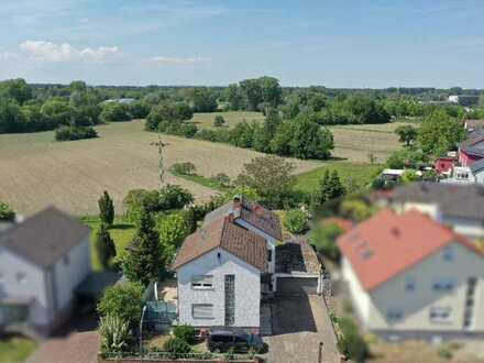 2 Einfamilienhäuser auf einem Grundstück in attraktiver Lage - angrenzend an das Naturschutzgebiet -
