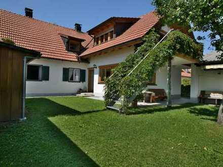 Peißenberg: Zweifamilienhaus in ruhiger Lage von Wörth