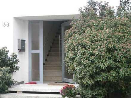 Wunderschönes ruhiggelegenes Haus mit sieben Zimmern, Garten in Walldorf