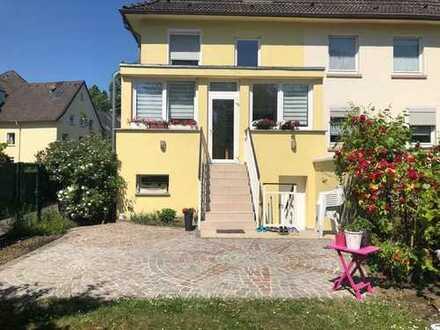 Schönes Haus mit fünf Zimmern in Essen, Altendorf am Niederfeldsee