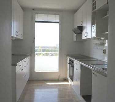 NEU: Schöne und geräumige, freie 4-Zimmer-Wohnung zu verkaufen