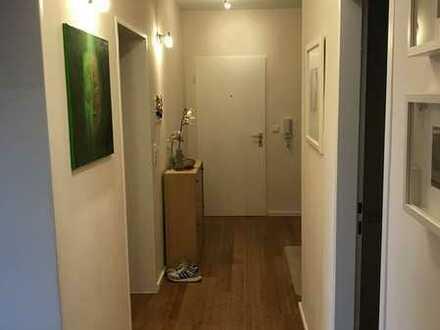 Vollständig renovierte Wohnung mit drei Zimmern sowie Balkon und EBK in Wildberg
