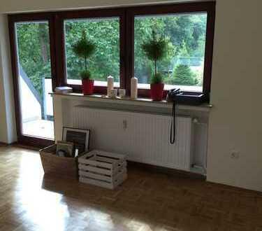 4,5 Zimmer am Sodenmattsee, über 2 Etagen, 2 Bäder + Küchen, Balkon, Hof, mehrere Stellplätze