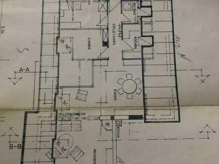 Sanierte 2,5-Zimmer-Dachgeschosswohnung mit Balkon und Einbauküche in pforzheim