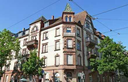 Vier-Zimmerwohnung mit drei Balkonen im Herzen der Südweststadt nahe dem Kolpingplatz!