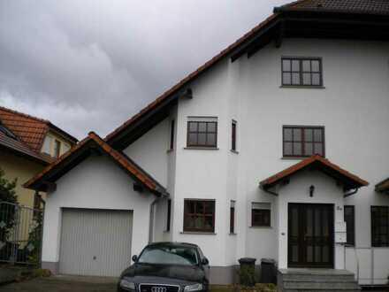 Komfortable Doppelhaushälfte in Nidderau-Ostheim in Bestlage