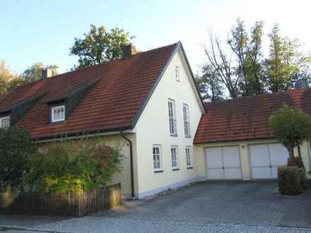Ch.Schülke Immobilien-Familienfreundliche, gepflegte DHH mit Doppel-Garage