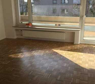Top sanierte 3 Zimmerwohnung mit Südbalkon