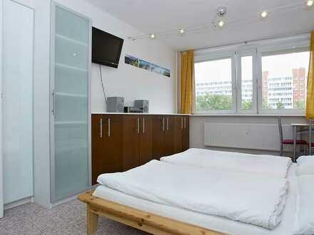 1 Raum provisionsfrei bezugsfrei / 1 Room free of commission vacant Hackescher Markt