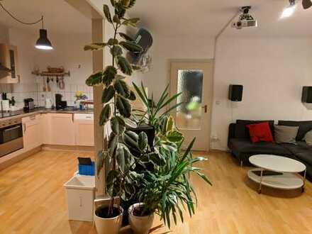 Freundliche 3-Zimmer-Wohnung mit Einbauküche in Altstadt & Neustadt-Süd, Köln