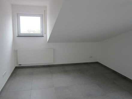 Erstbezug: attraktive 5,5-Zimmer-Maisonette-Wohnung mit Balkon in Wäschenbeuren