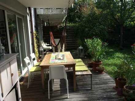 Zimmer frei in wunderschöner Terrassenwohnung, ruhige Lage am Westpark!