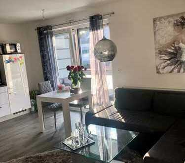 Neuwertige, ruhige 2-Zimmer-Wohnung mit Balkon und EBK in Krefeld