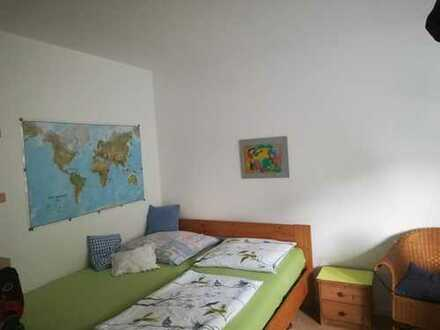 Möbliertes 22 qm-Zimmer in Charlottenburg