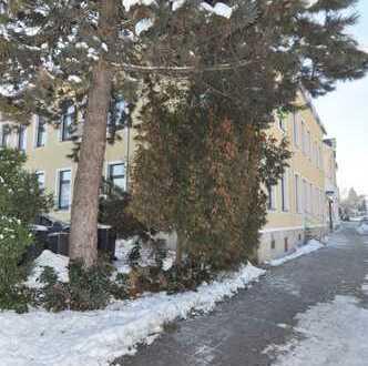 ** große 3 Zimmerwohnung ** - mit kleiner Terrasse - Ausrichtung zum Innenhof ** Ellefeld