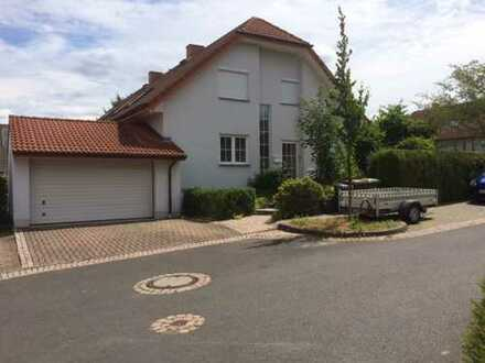 Schönes Zweifamilienhaus in Familienfreundlicher Lage, Kassel (Kreis), Kaufungen