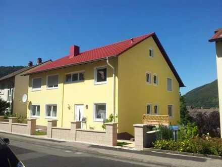 Schöne 5-Zimmer-Wohnung mit Balkon und Einbauküche in Lambrecht