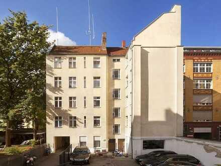 Singles aufgepasst! Moderne 1-Zimmer-Altbauwohnung im ruhigen Hinterhaus mitten in Moabit!
