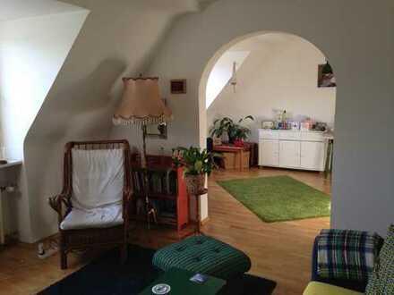 Charmante 3-Zimmer-Dachgeschoß-Wohnung im beliebten Agnesviertel