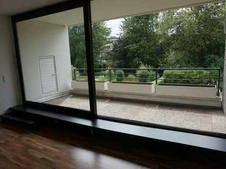 Modernisierte 3,5-Zimmer-Wohnung mit zwei Balkonen und neuer EBK