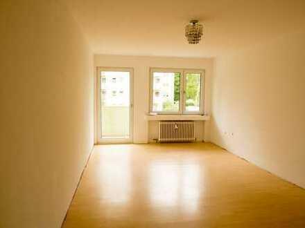 Helle 3 Zimmerwohnung in Refrath, zentral und grün gelegen