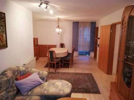 Stilvolle, gepflegte 2-Zimmer-Wohnung mit übrdachtem Balkon und EBK in ruhiger zentr. Lage Kirchheim
