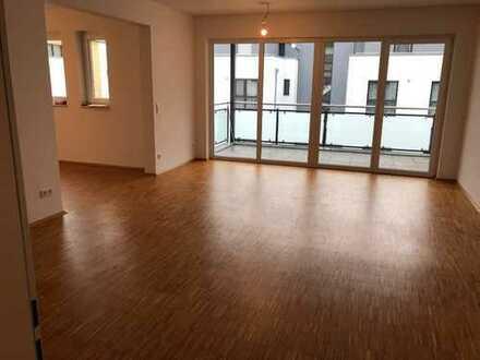 Wohnen direkt am Schmölderpark - 1. Etage mit Balkon und Parkettboden mit Fußbodenheizung