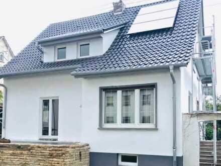 Attraktives 6-Zimmer-Haus mit Einbauküche in Nürtingen, Esslingen