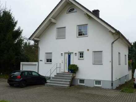 Schönes Einfamilienhaus mit großem Hobbyraum und kleinem Garten in Frankfurt-Seckbach