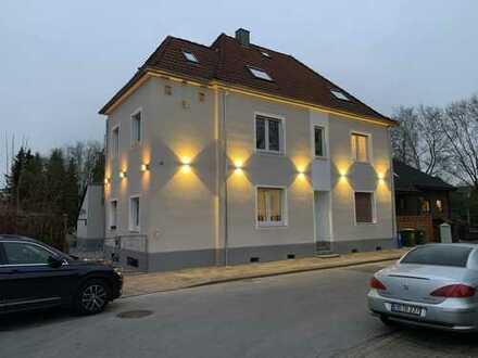 Sanierte 2,5-Zimmer-Dachgeschosswohnung mit großer Dachterasse in Oberhausen