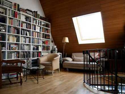Provisionsfrei! Elegante 2-Zimmer Maisonette mit Balkon, direktem Zugang zur Havel und viel Sonne