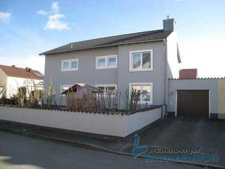 IMMOBILIEN LERCHENBERGER: Zweifamilienhaus in guter Lage von Plattling