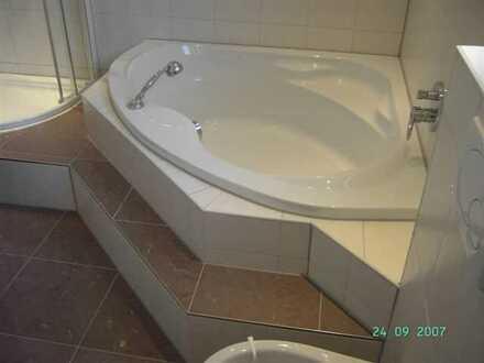 Preiswerte, geräumige und gepflegte 7-Zimmer-Maisonette-Wohnung mit Balkon in Eppingen-Rohrbach