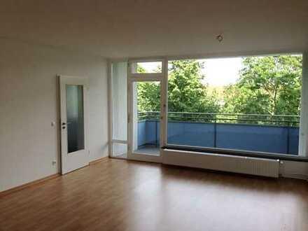 3-Zimmer-Wohnung mit großem Balkon nähe SWR / TG-Stellplatz optional