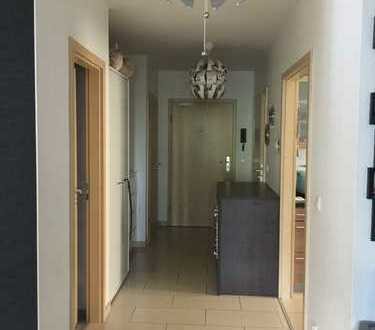 Stilvolle, gepflegte 3-Zimmer-Wohnung mit Balkon und EBK in Wiesbaden