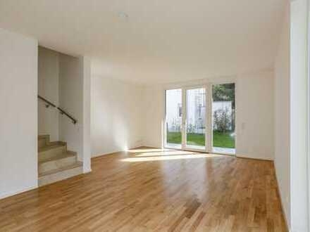 Hochwertig & modern | Terrasse mit Garten | 3 Bäder | Einbauküche | Bodenheizung | Außenjalousien