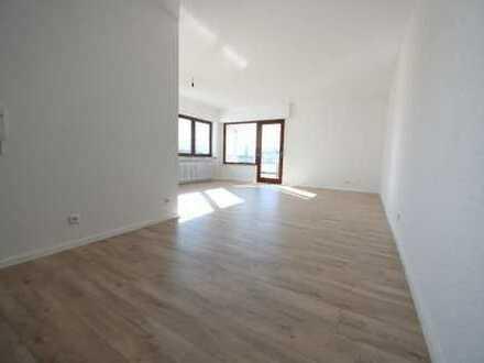 Modernisierte helle, ruhige 3-Zimmer-Wohnung mit Balkon in Pforzheim (Rodgebiet)