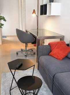Möbliertes Zimmer mit Terrasse und Garten in 5-Zimmer-WG mit offener Wohnküche